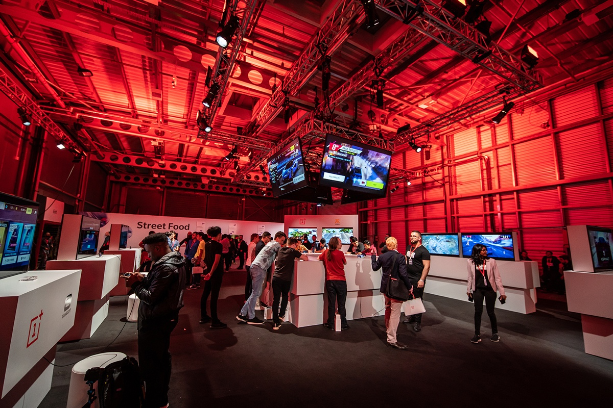 Creative ways to use digital signage at events